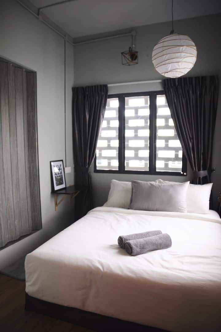 GRAYHAUS SOHO Deluxe Queen Room 04 @ IPOH New Town