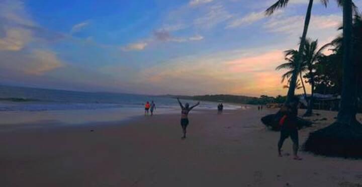 Quarto P/temporada  5m da praia.  Porto seguro -BA