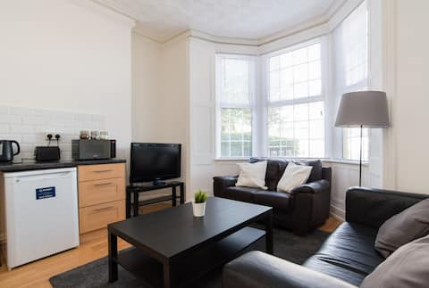 Entire 1 Bedroom Flat in Cardiff