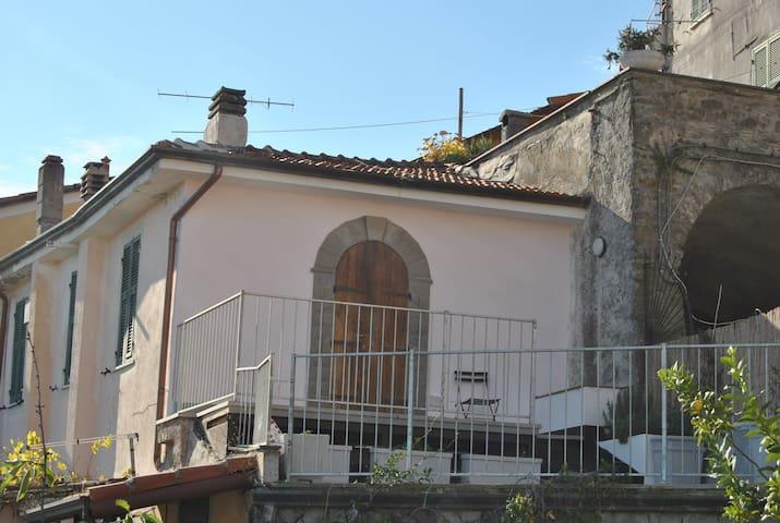 Casetta Anna - Valeriano - Rumah