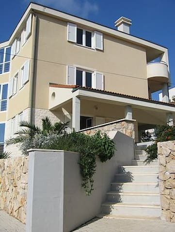 Sebenico Apartment2 - Novalja - Haus