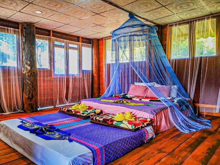 Lè Mariza Honeymoon & Family house in ChiangMai