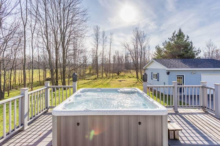 Your Winter Getaway - 4-bed+2-full bath+hot tub