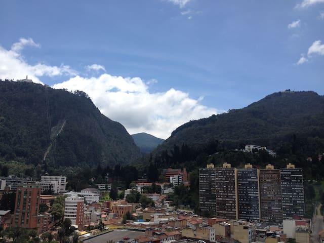En zona turística de La Candelaria - Bogota - Apartament