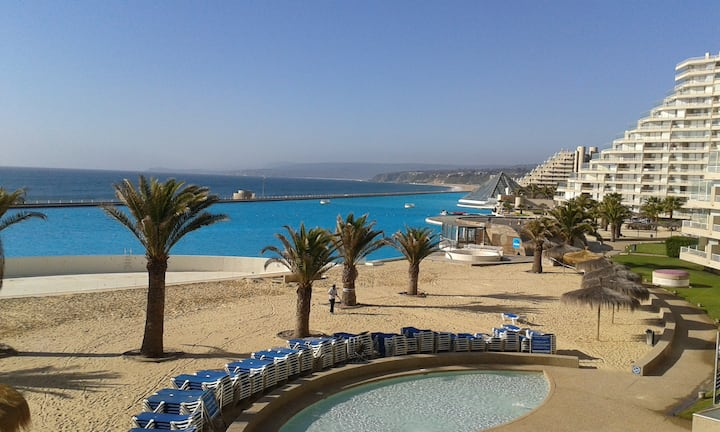 Apartamento con playa y vista al mar