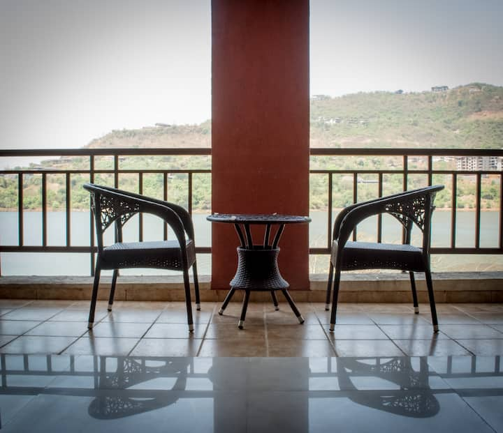 Spacious 3 Bedroom AC Apartment in Lavasa