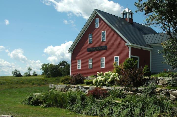 Spectacular, peaceful farmhouse! - Morrill - Haus