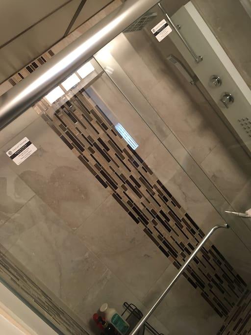 Glass door Shower with multiple shower head