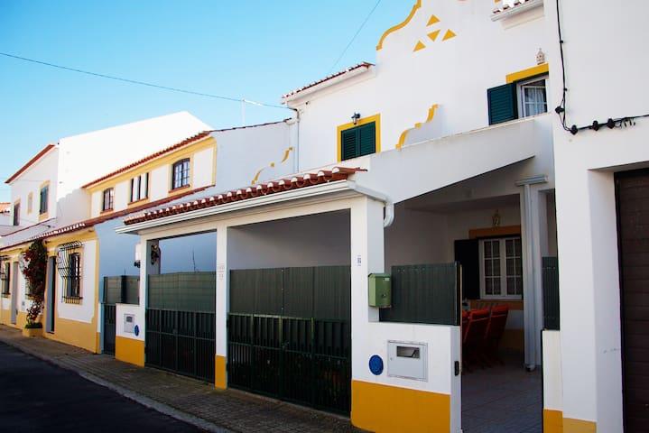 Milfontes Villa