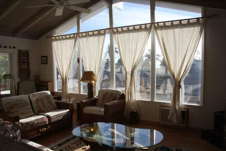 East Beach Ocean View Apartment