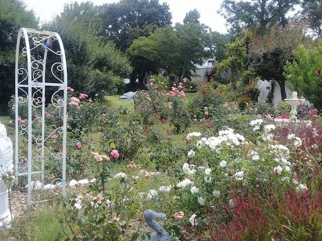 Lara's Cottage - overlooks Zoe's Rose Garden and across to the Swimming Pool