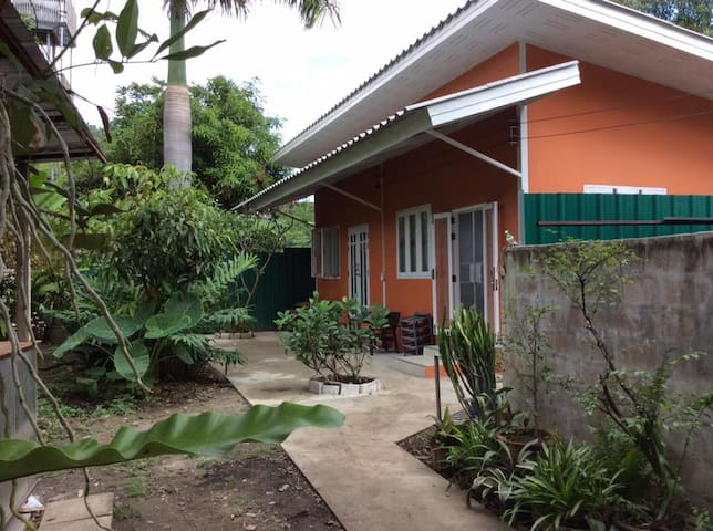 Family room with private bathroom - Chiang Mai - Bed & Breakfast