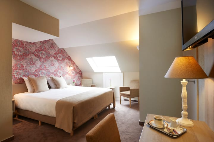 Executive Double Room Comfortable Spacious & Quiet