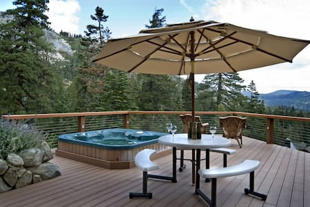 Eagles - 5BR in Alpine Meadows, Pool Table, Hot Tub, & Amazing Views