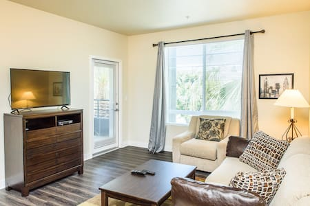 #86 Good location 2 Bedroom apartment - Irvine