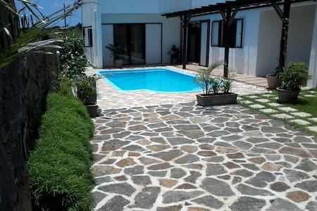 SanSylVilla - Calodyne - Бунгало