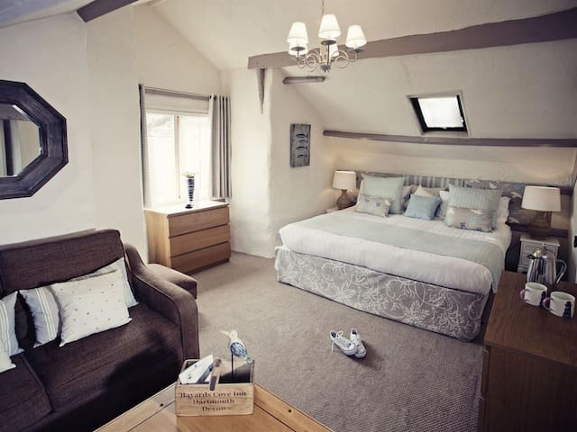Bayards Cove Inn Family Suite with Sea View