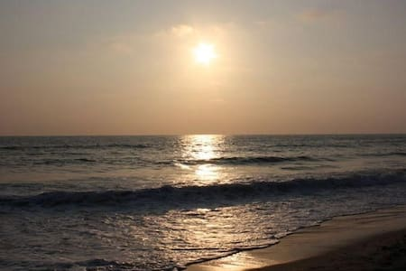 Guest house walk to beach!  May Special $100 - Del Mar - 단독주택