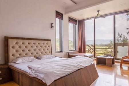 Luxurious 5BHK Villa In Lonavala with GREAT DEALS