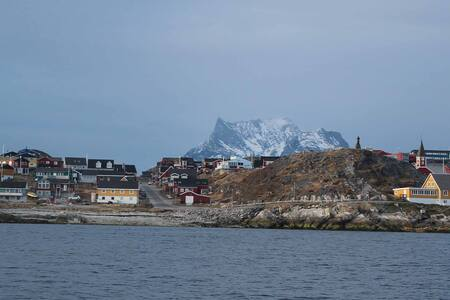 A room with a view to the fiord - Nuuk
