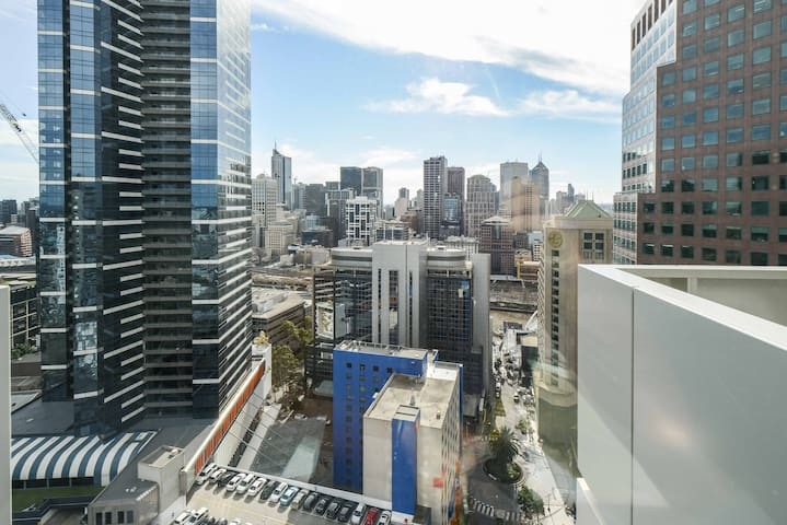 Unbeatable melbourne views, premium living in CBD