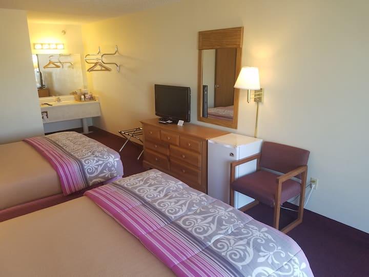 room in Branson,2 beds in Branson,room w/breakfast