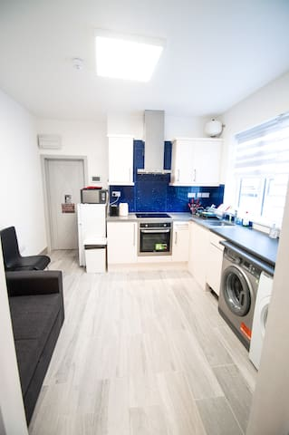 ☆ Newly Redecorated Cosy 1BR Apartment ☆