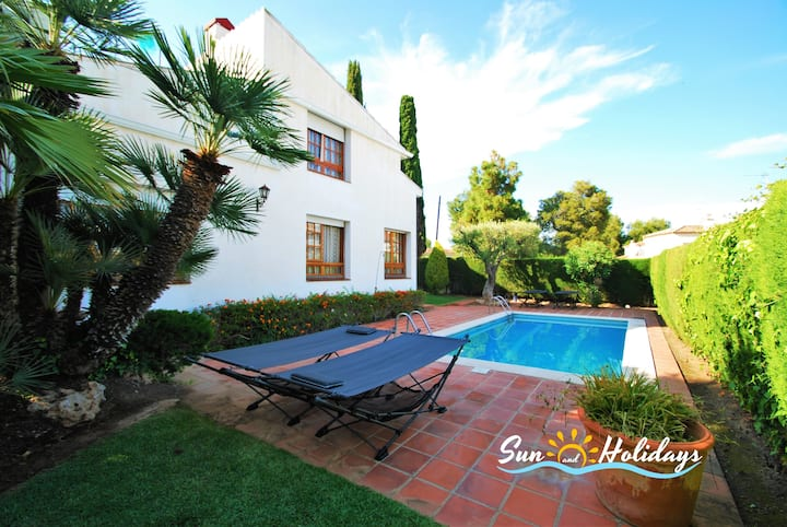 Villa Emili with private pool close to the beach