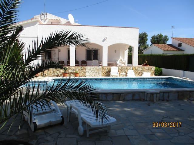 villa 8P, 3km mer, clim, las tres calas, piscine
