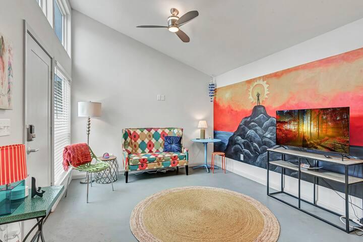 MONTH-TO-MONTH Furnished Rental near SoCo - El Sol