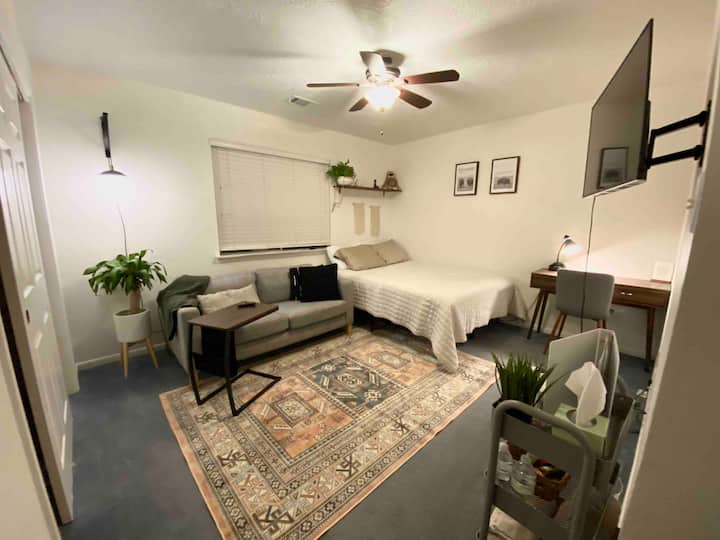 Studio Zo(e) Spacious, NewlyRenovated, PrivateRoom