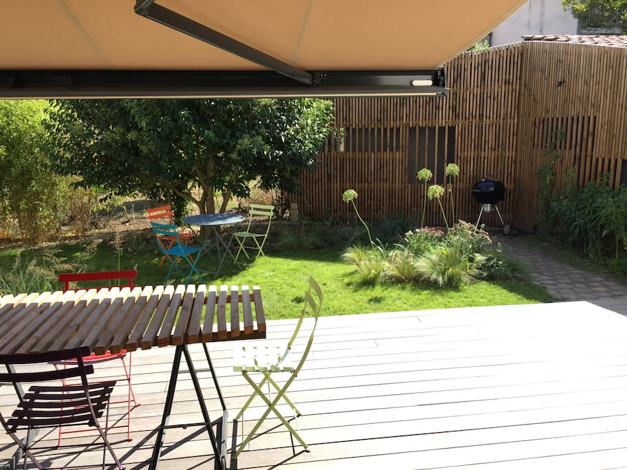 Terrasse plein sud avec store réglable