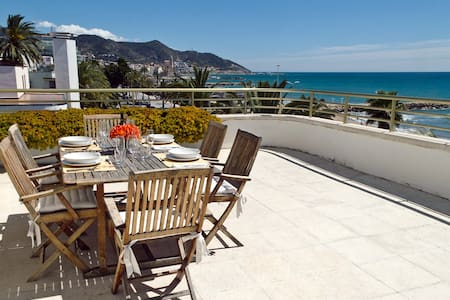 Luxurious Sitges Seafront Penthouse - Sitges