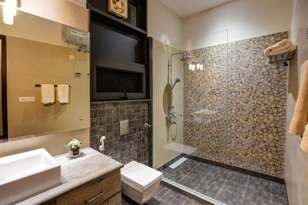 Clean and spacious washrooms