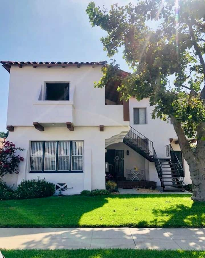 Los Angeles Burbank Private Apt in Great Location