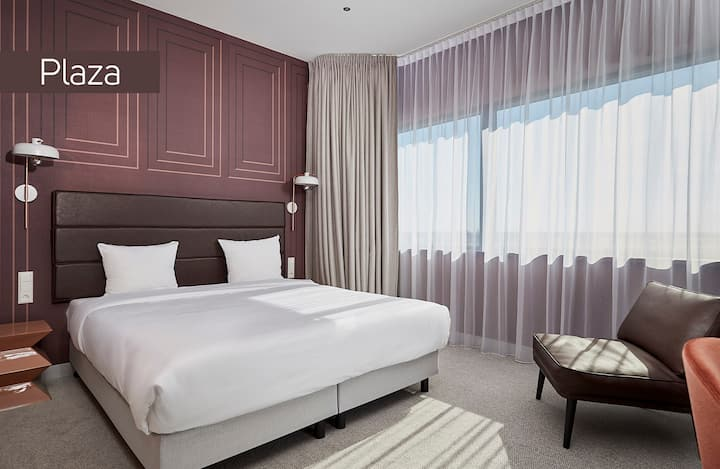 Luxurious Junior Suite near Airport (Free Shuttle)