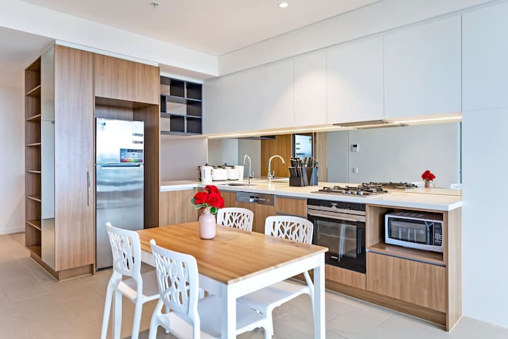 North Ryde Station - 1 bedroom service apartment