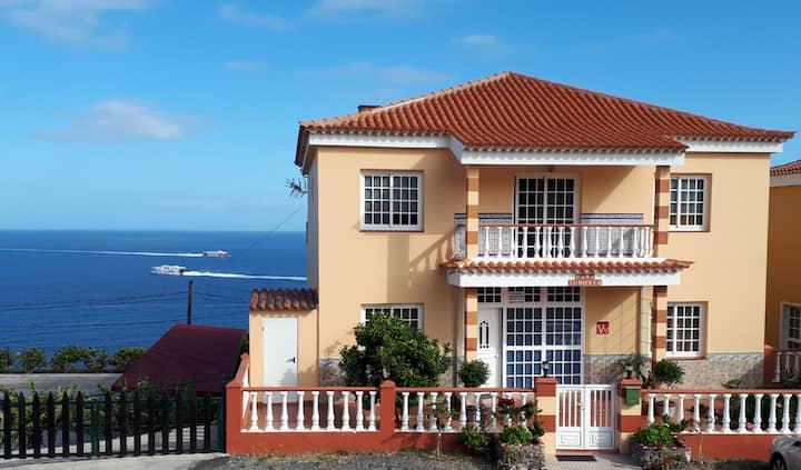 Casa Junonia, con Balcón, Centro A