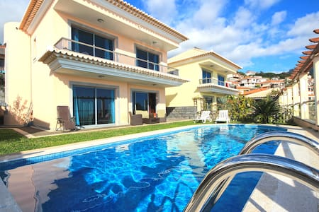 Villa Livramento with heated pool - Funchal