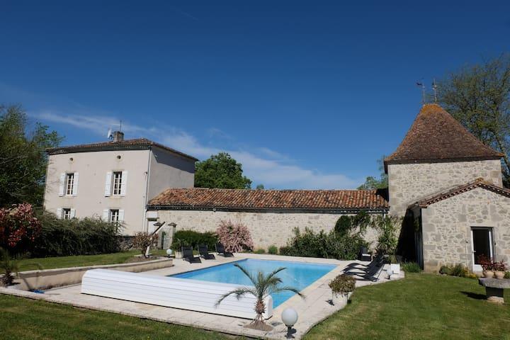 Très belle maison de maître, piscine chauffée - Espiens - Casa
