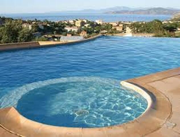 Appartement, Terrasse, Piscine, Corse, Ile Rousse.