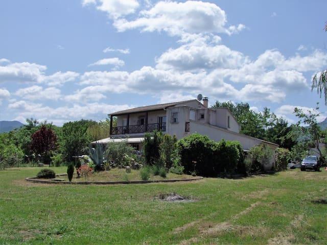 Villa en location entière à 5mn de la plage - Castellare-di-Casinca - Ev