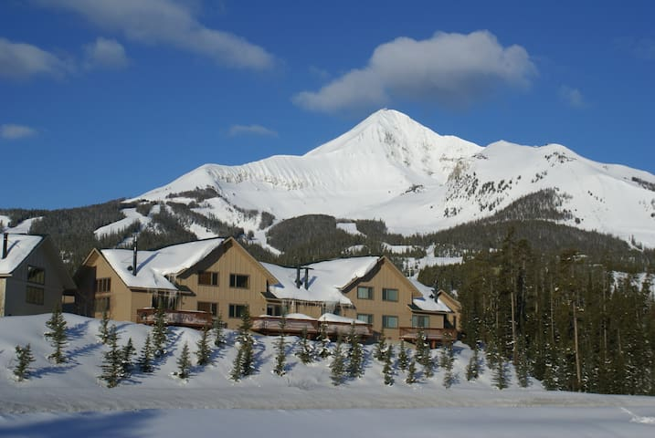 Ski In/Out, 3bd/3ba, Lakeside - Big Sky - Casa