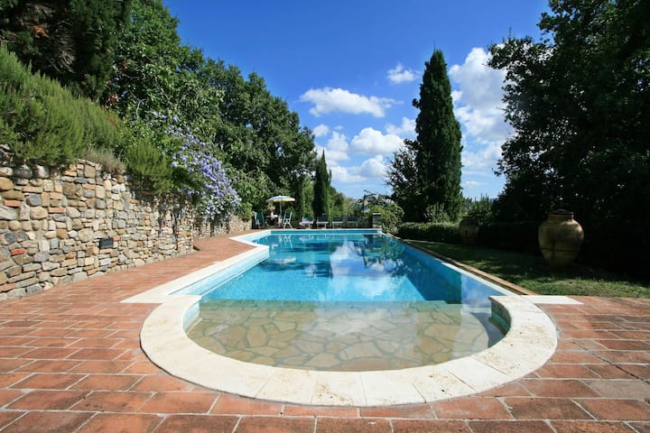 Cozy cottage with private pool near San Gimignano