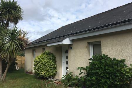 Chambre lumineuse Guidel (Bretagne Sud) lorient - House