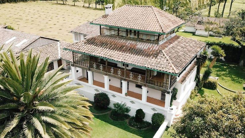 La Quinta San Miguel-LOCATED BETWEEN TWO VOLCANOES