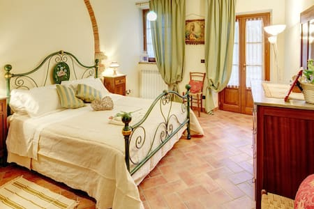 Little Love Nest - Country House in Tuscany Pool