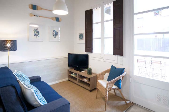 2 Bedrooms central and with nice Terrace in Gracia