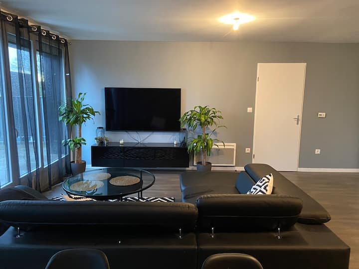 Appartement tranquille, prêt de tout !