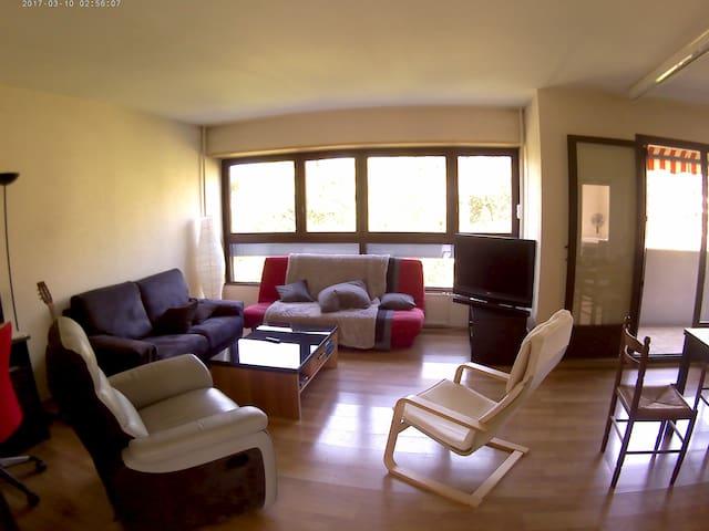 Chambre 10m2 avec balcon sur jardin quartier calme
